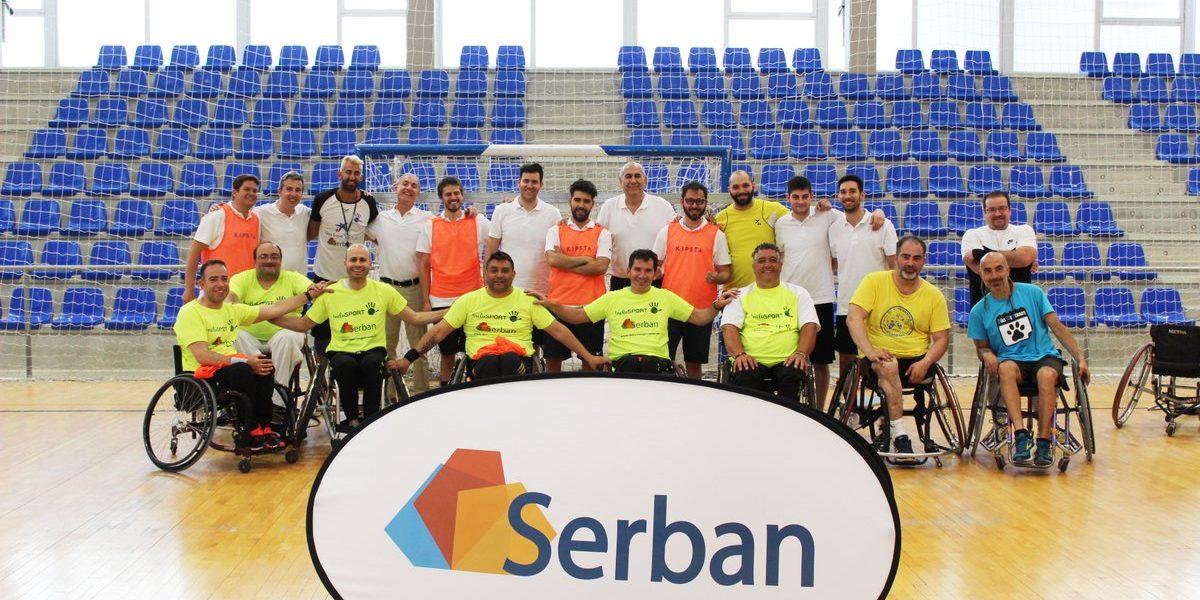 Inclusport y Serban disfrutan juntos en una pista